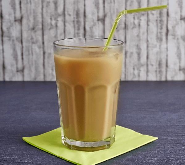 Ein Glas Thaitee mit Milch - Rezept